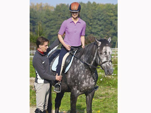 CAV 12_2010-Pferd-locker-reiten_Schoenewald_10 (jpg)
