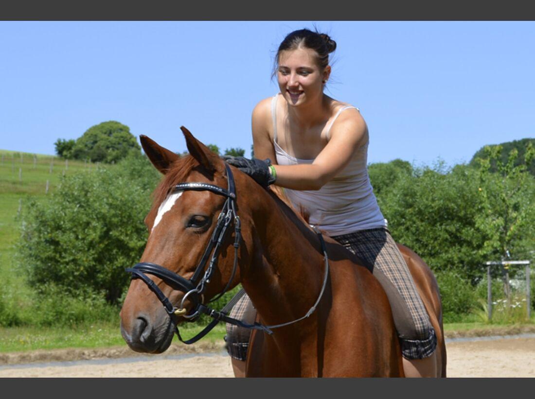 CAV-Fan-Pferde-Leseraktion-2013-Peppi (JPG)