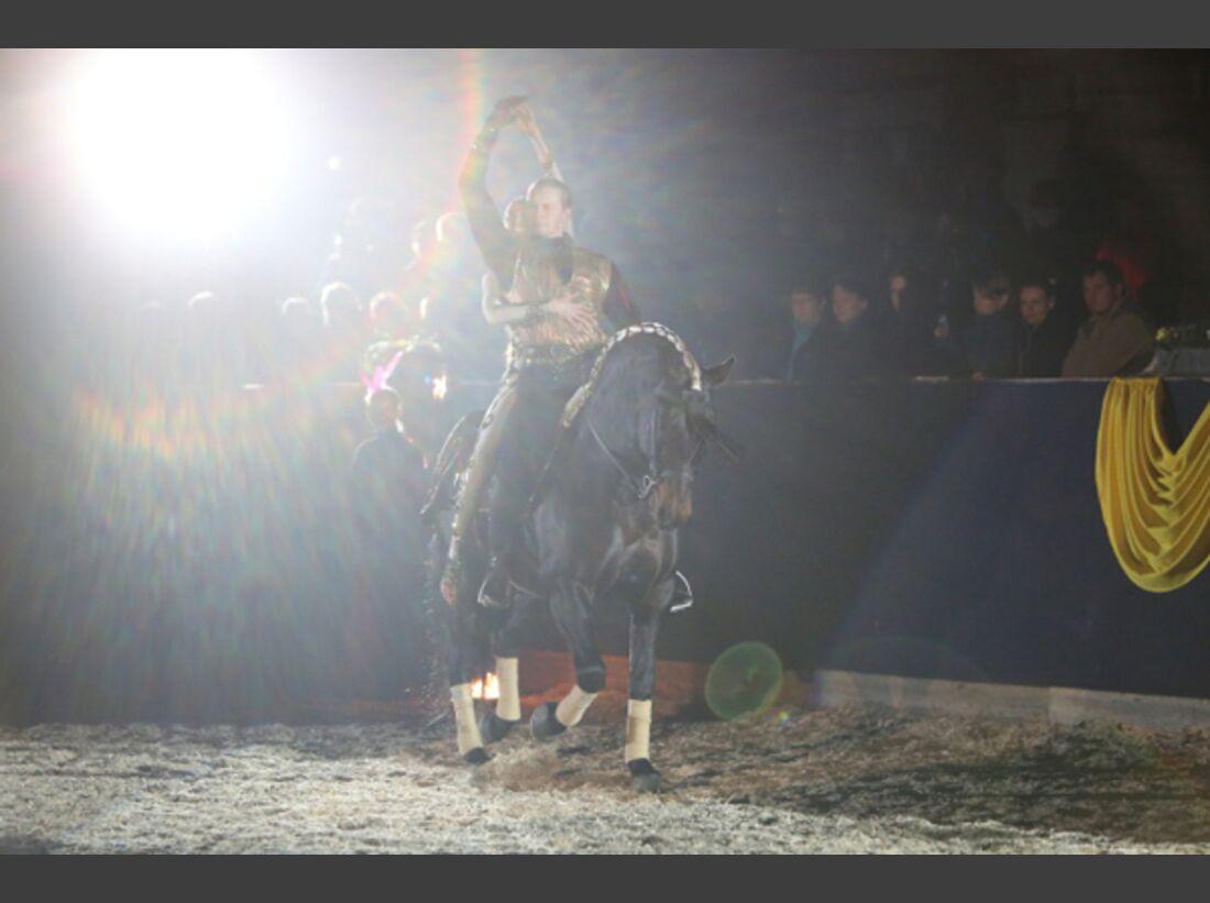 CAV Oliver Jubin Tanzende Beine Show 1