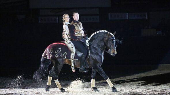 CAV Oliver Jubin Tanzende Beine Show 3