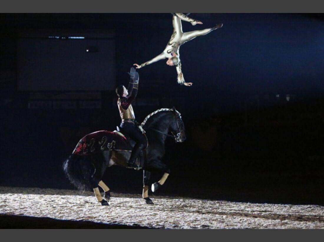 CAV Oliver Jubin Tanzende Beine Show 7