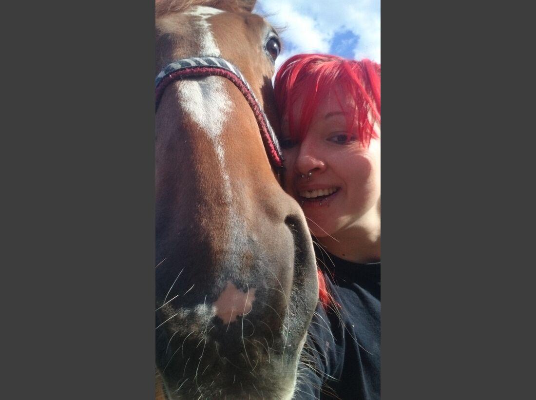 CAV-Pferde-Selfie-Leseraktion-2014-Melanie (JPG)