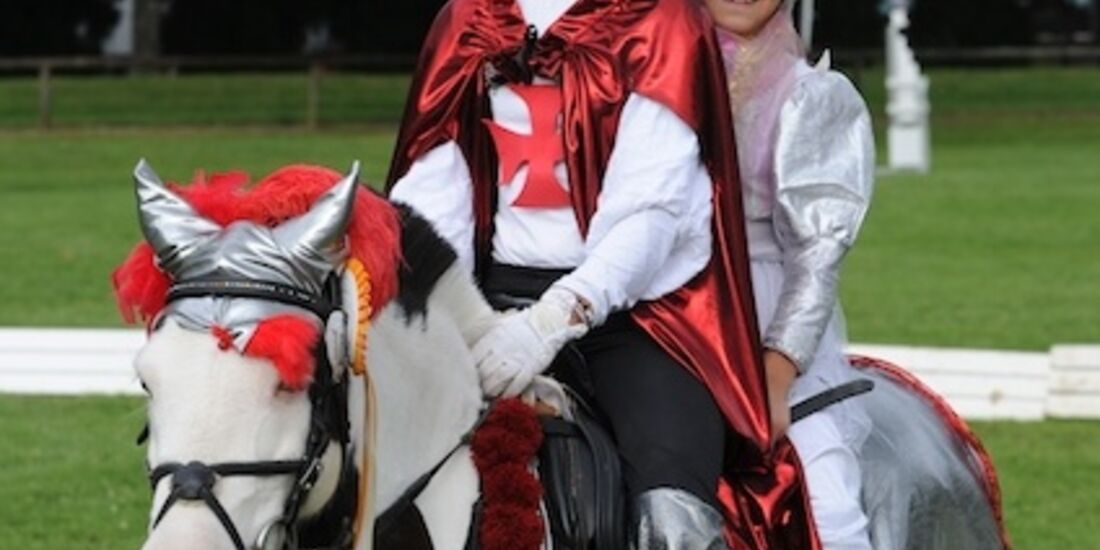 CAV Pony Schräges Pferdefotos Generationenderby