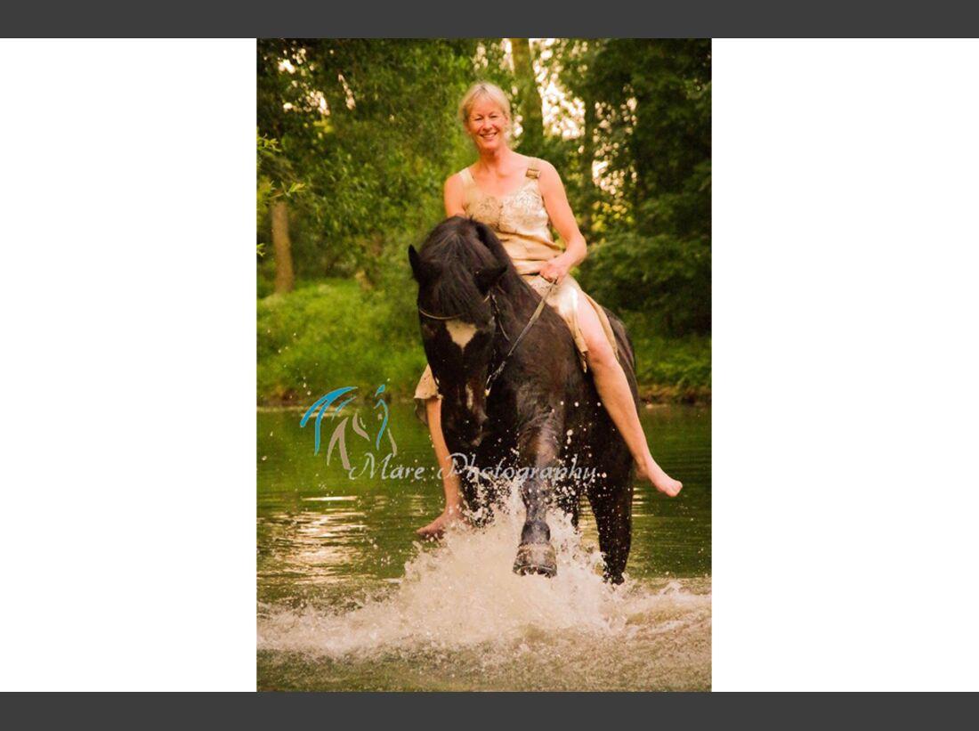 CAV Wasser Pferde Baden Leserfotos Mare Naser